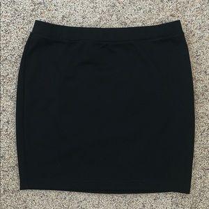Candie's Skirts - Short black pencil skirt